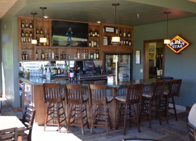 Clubhouse_bar_2